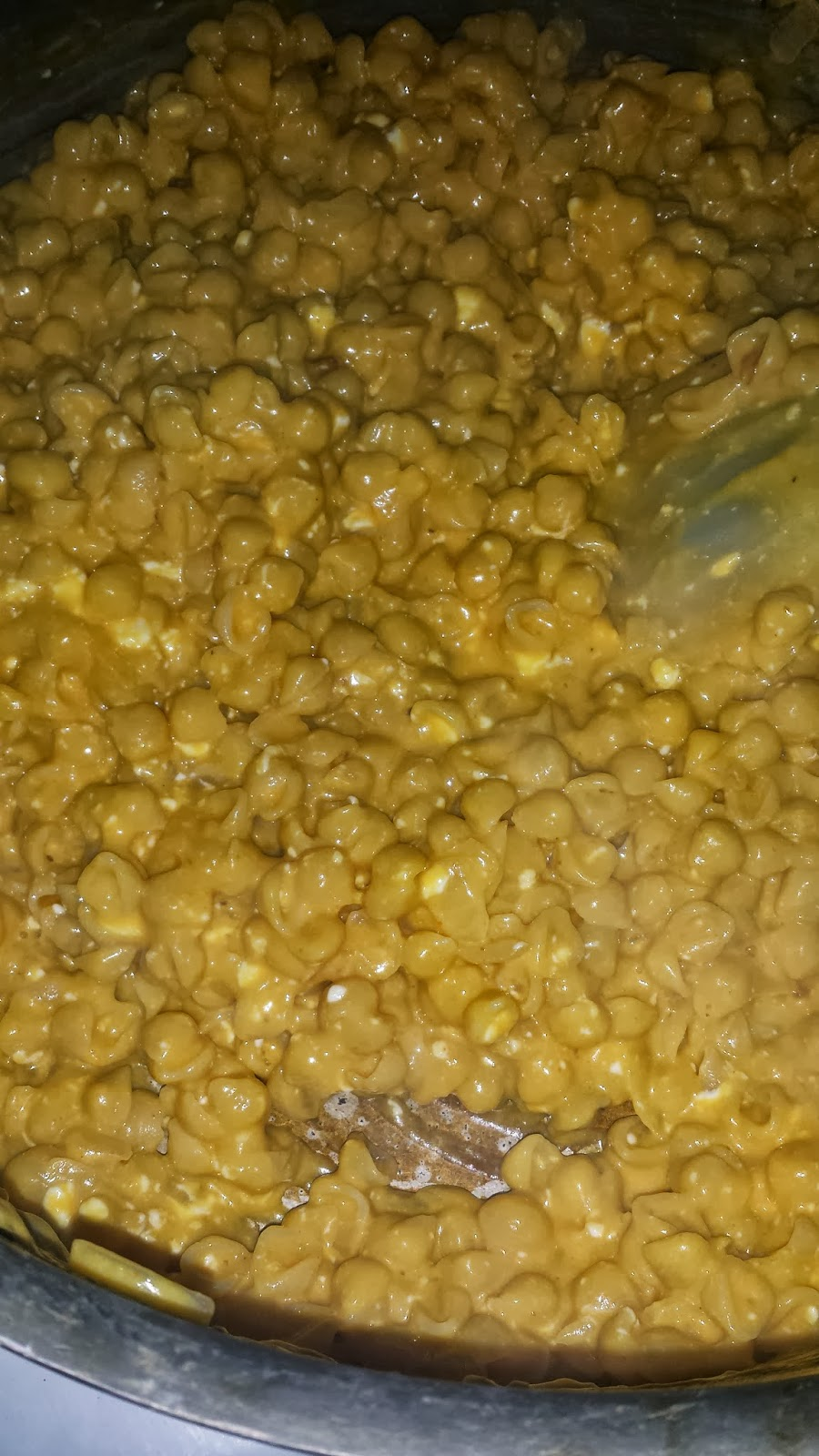 Instant Pot Mac and Cheese takes all of the creamy goodness of homemade mac and cheese and turns it into a meal you can have on the table in minutes!. Elbow macaroni and seasonings are cooked in the Instant Pot until perfectly tender. We add in the rest of the sauce ingredients (and CHEESE.